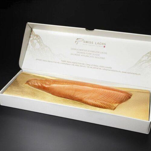 geraeucherte-lachsseite-ungeschnitten-in-edler-geschenkbox