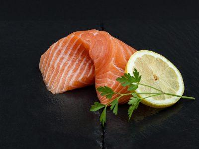 sashimi-mit-zitrone_1920x1280_gross